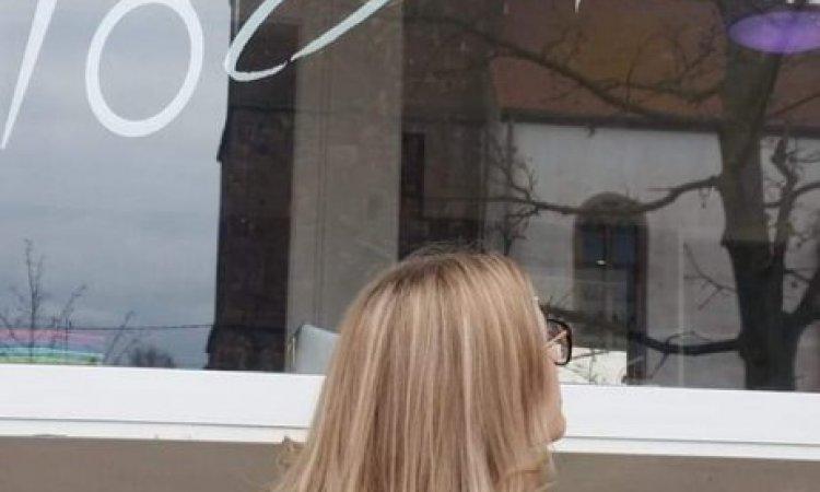Coupe de cheveux mi-longs  à Saverne