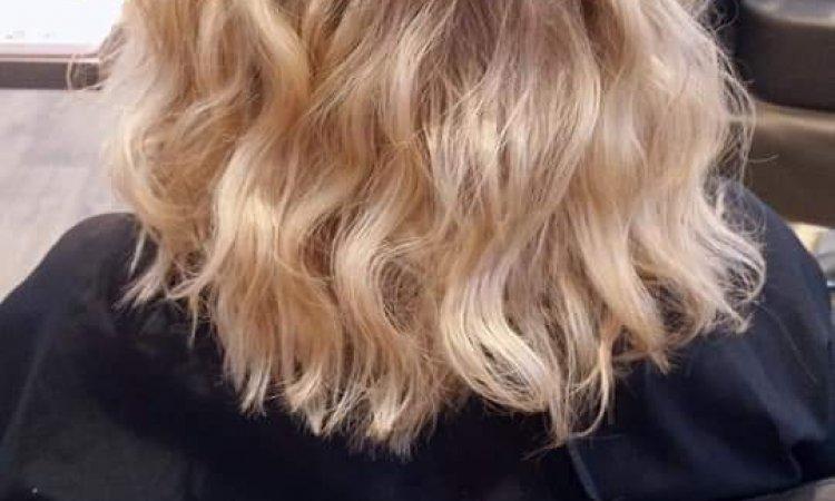 Coupe de cheveux mi-longs